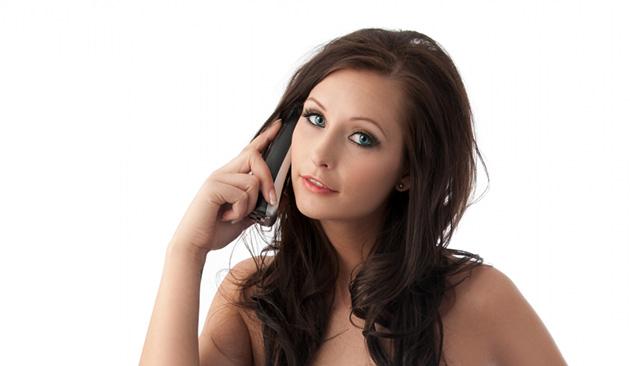 酔っ払いの女性が電話する時の心理とは?