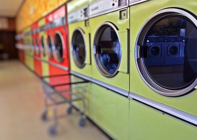 【洗濯機の掃除方法】洗濯槽のしつこいカビや汚れの取り方