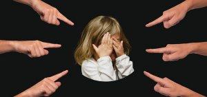 【夢占い】怒られる・叱られる夢13パターンの意味