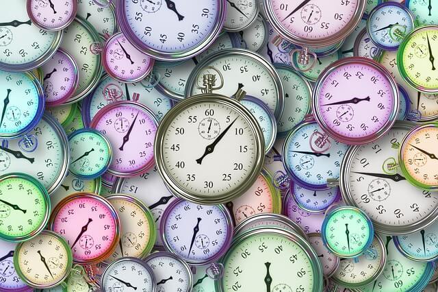 【夢占い】遅れる・遅刻する夢20パターンの意味